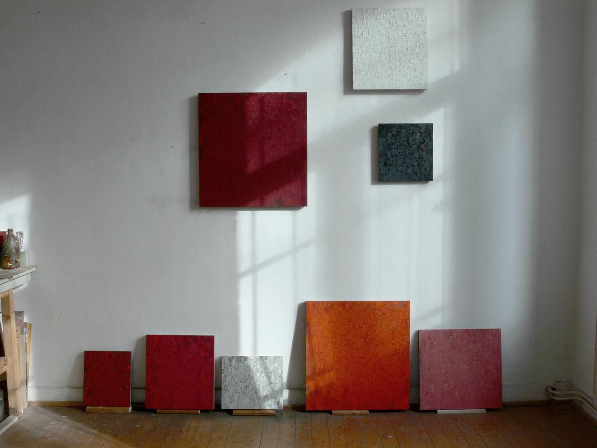 03 dark-red- red- orange- grey- pink- white- red- black studio peter tollens- february 2009